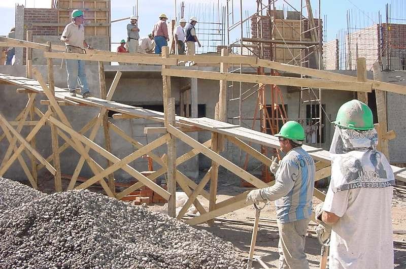 Sector construcci n debe 4 891 millones a la ccss - Materiales de construccion baratos ...