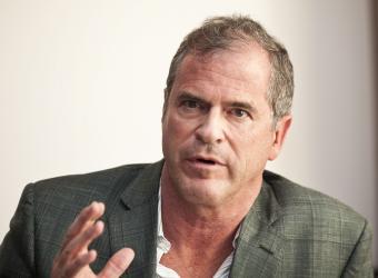 James M. Loree, CEO de Black and Decker.