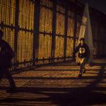 Francia pide prudencia a cementeras interesadas en el muro