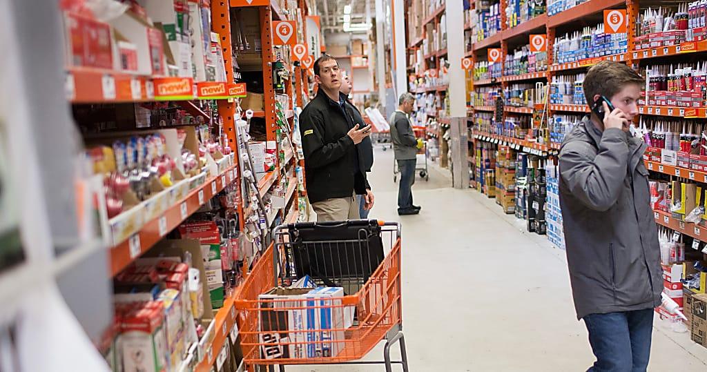 Ferreteria y construcci n hombre roba 11 000 en productos for Home depot productos