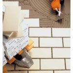 Mapei lanzó adhesivo para cerámica de fraguado rápido