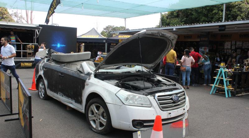 Con tecnología Flex Volt cortan un carro en 2 partes